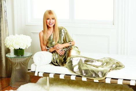 Living in Stlye_Rachel Zoe in gold_(c) Justin Coit